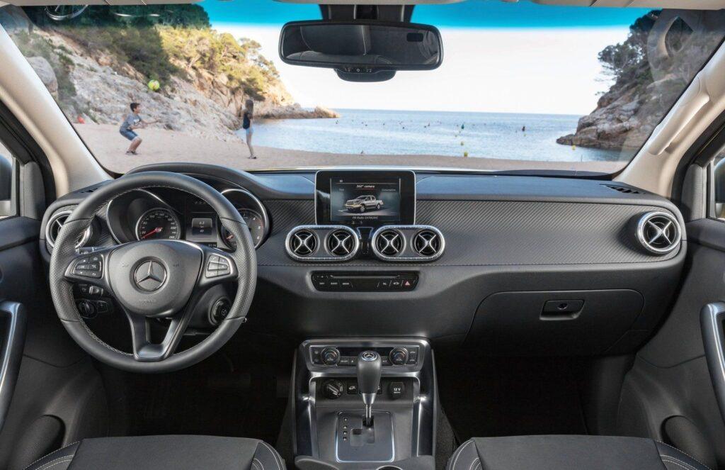Салон Mercedes-Benz X-Class
