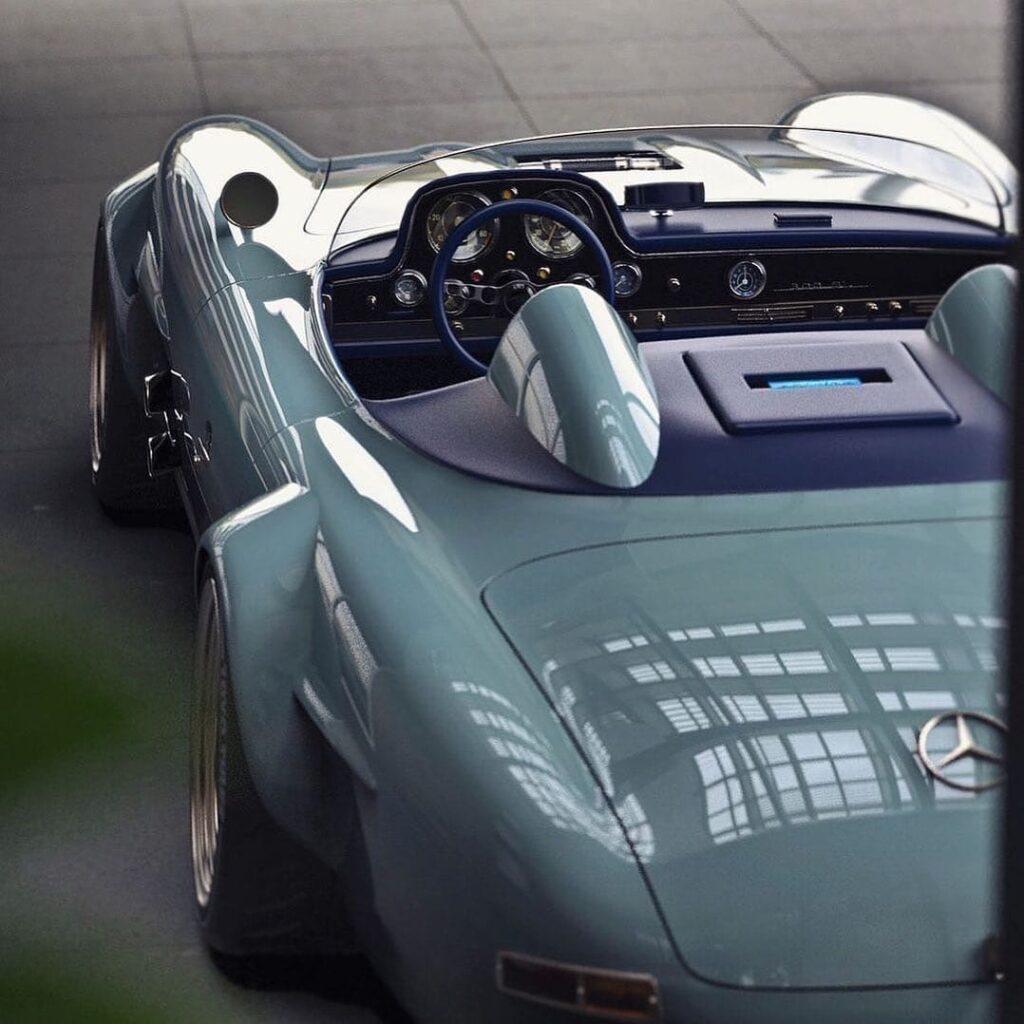 Один из красивейших Mercedes-Benz за всю историю - модель 300 SL
