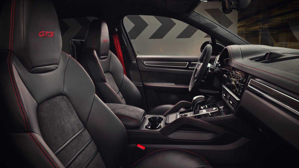 Porsche анонсировала модификацию GTS для Cayenne и Cayenne Coupe