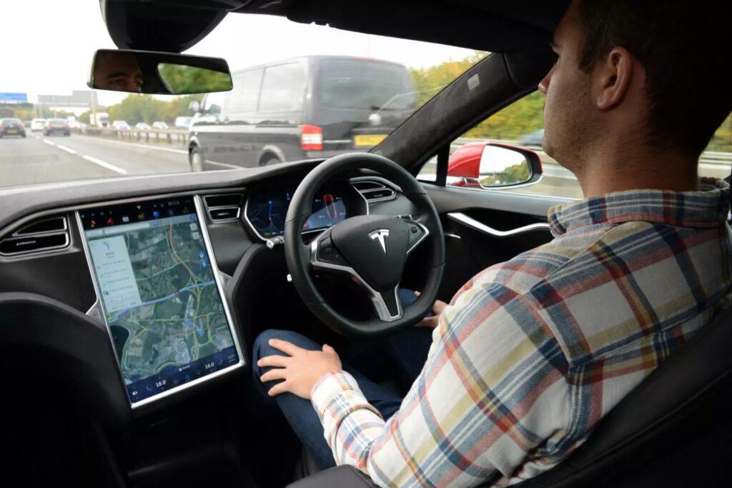 Новая система, разрабатываемая в Tesla сможет претендовать сразу на пятый уровень автономности