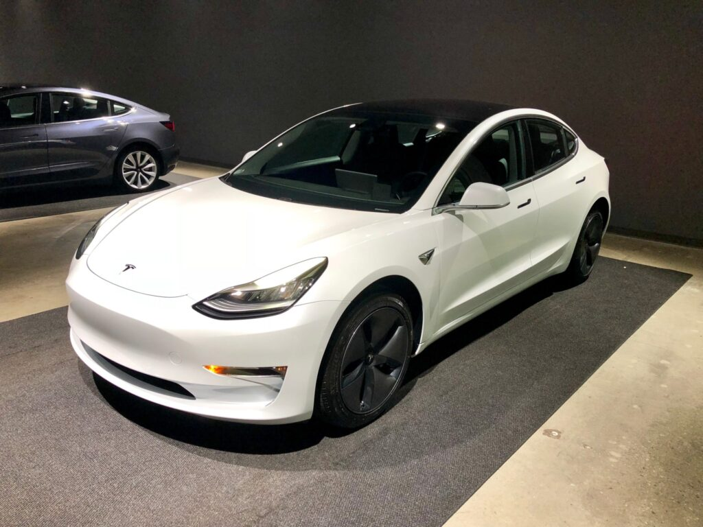 Tesla Model 3 - 2