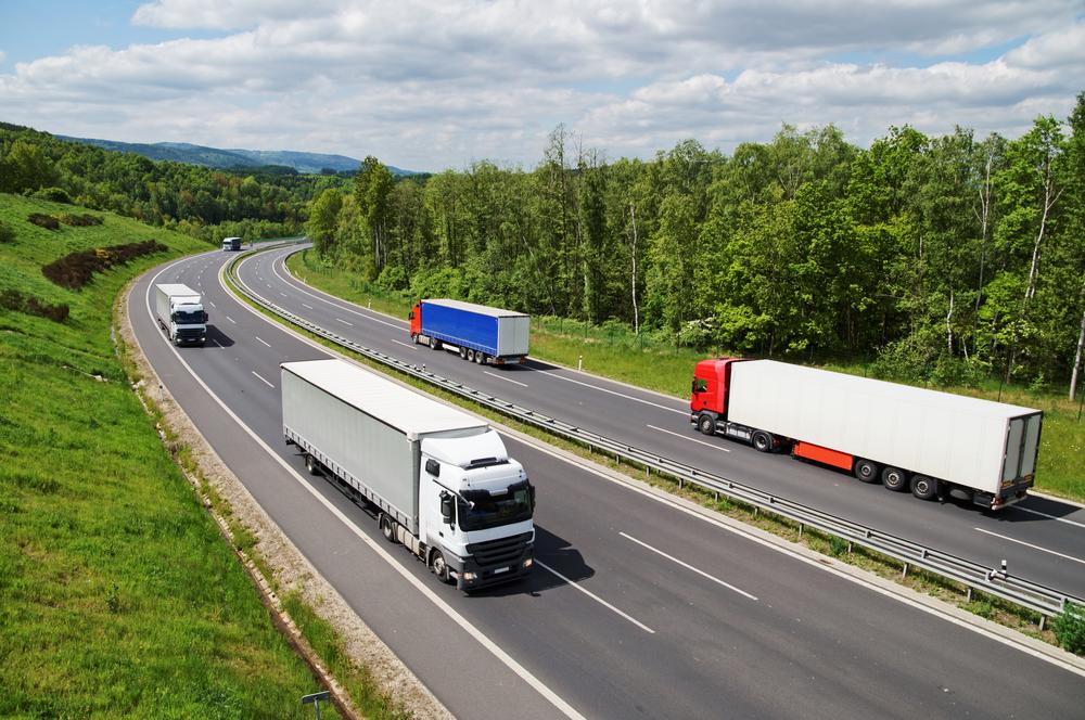 Замминистра предложил с 2021 года повысить налоговую ставку для коммерческого транспорта
