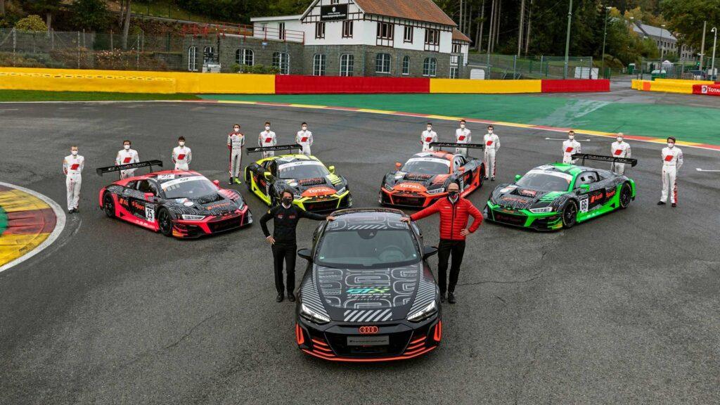 Производить Audi e-tron GT RS будут на том же предприятии где производятся другие спортивные автомобили этого же бренда, например, Audi R8, расположенном в Германии