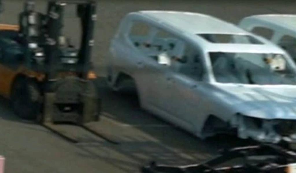 Кузов и рама нового Toyota Land Cruiser 300 засветились на фото