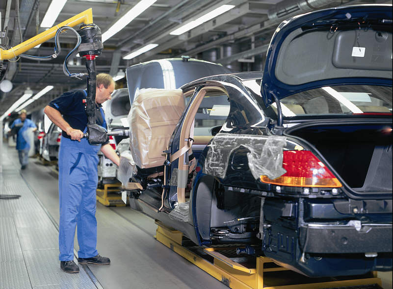 На конец прошлого года компания BMW насчитывала более 126 000 сотрудников, спустя год их количество сократится как минимум на 10 000
