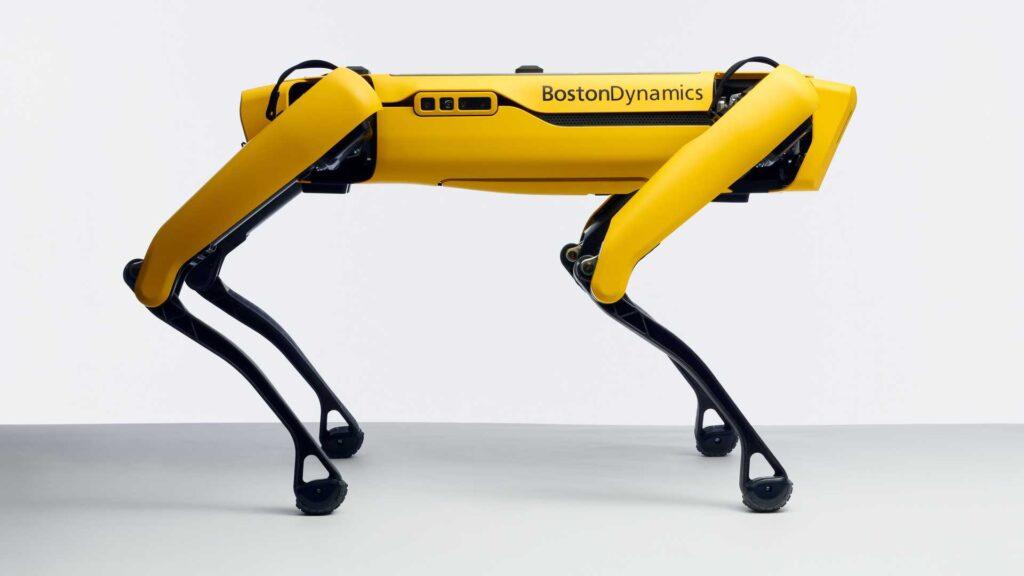 Фирма по разработке роботов же в свою очередь получит гарантированные заказы и увеличит объем производства