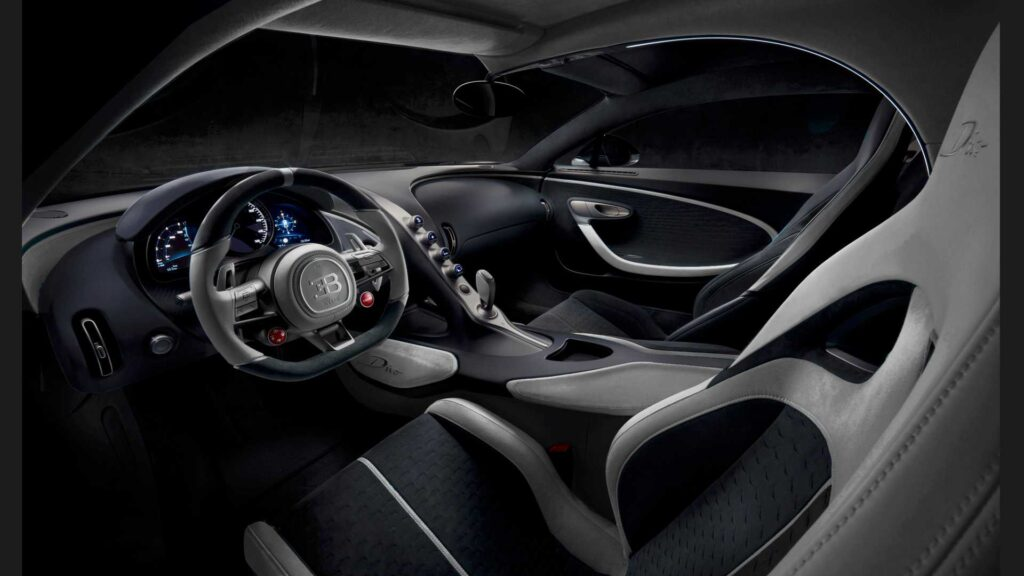 Салон Bugatti Divo