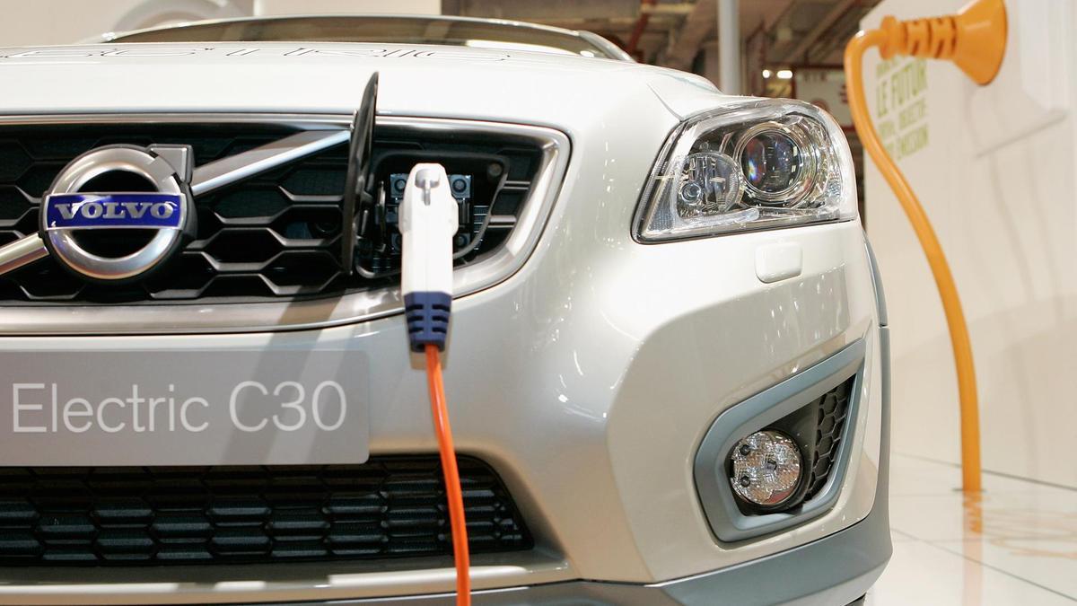 Volvo готовят к дебюту новый электрокар в кузове кросс-купе