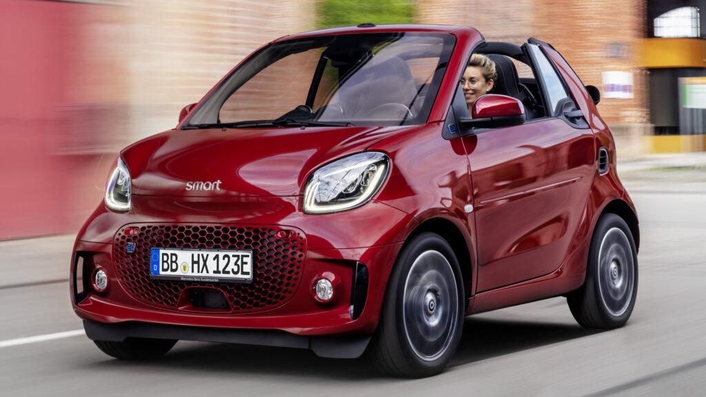 Бренд Smart был основан в 1994 году компанией Daimler совместно со швейцарским производителем часов Swath