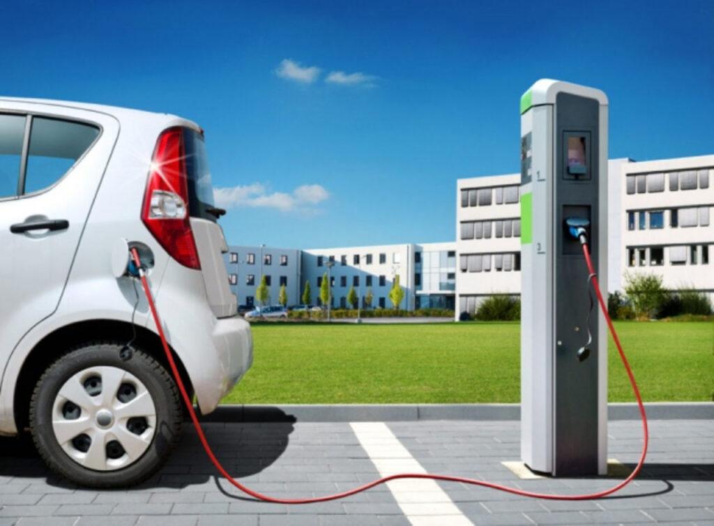 Большинство из этих зарядных станций при этом останется свободно доступными