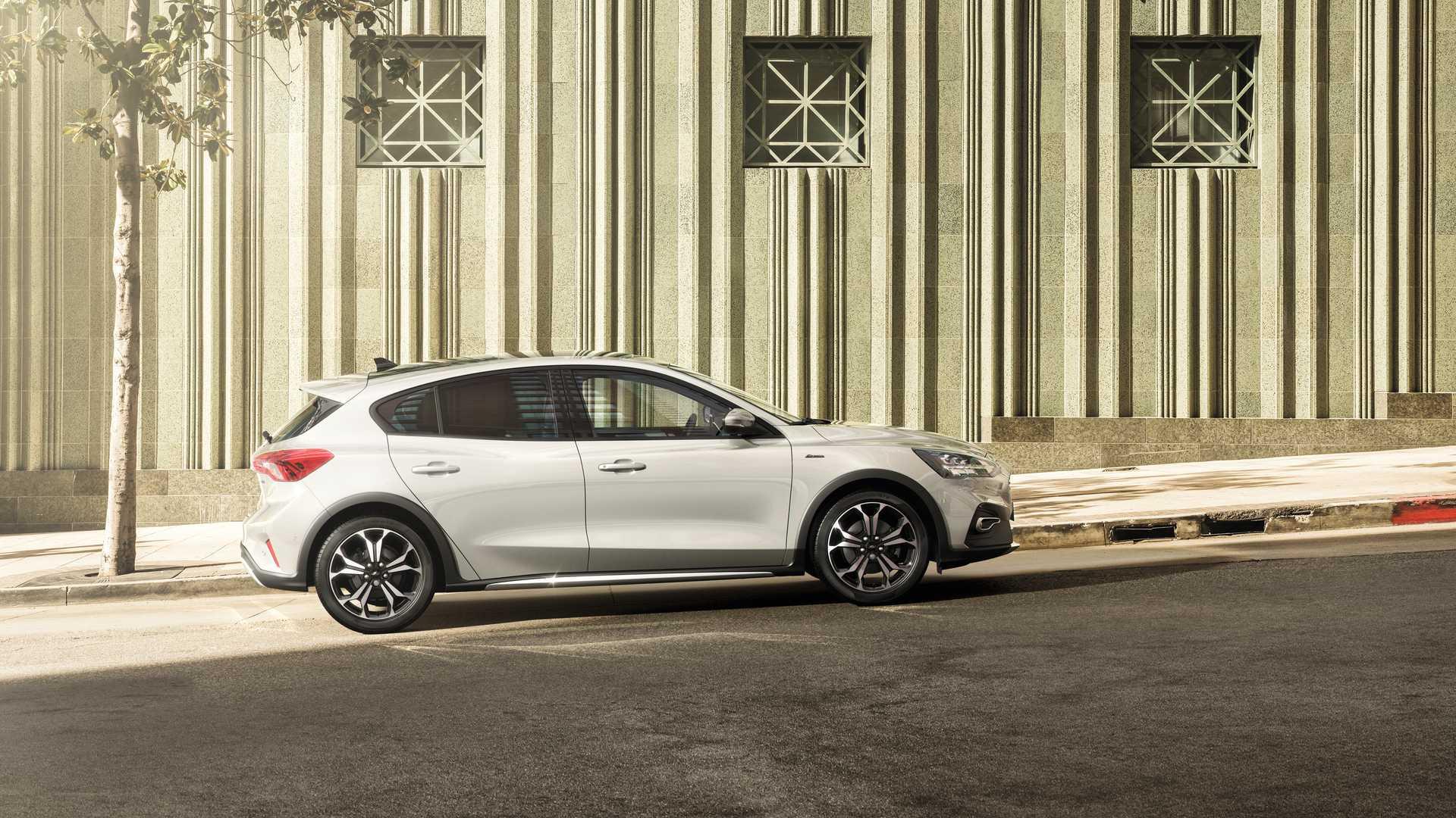 Новый Ford Focus получил гибридную версию