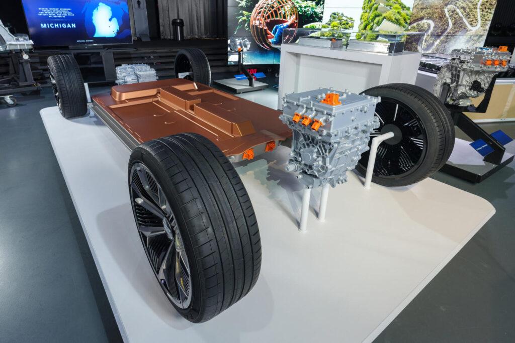 Планируется, что с помощью новой платформы компания будет строить и быстрые скоростные автомобили и большие внедорожники и кроссоверы