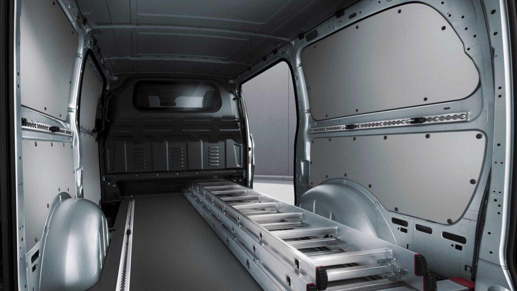 Mercedes-Benz Metris обновились и в техническом плане
