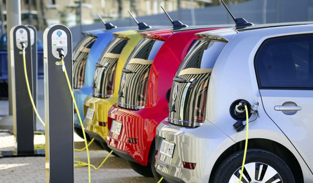 В следующем году в России начнется массовое производство электромобилей