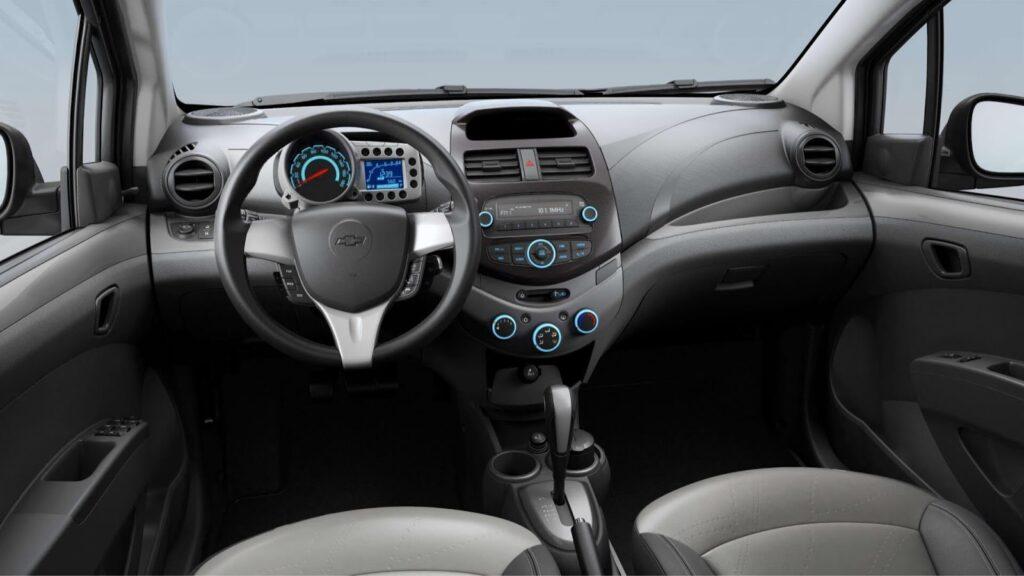 Салон Chevrolet Spark