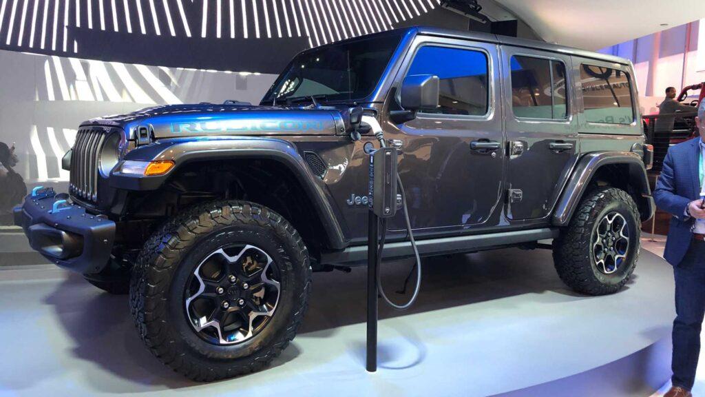 Так объединение объявило о принятом решении по производству первого электромобиля американского бренда Jeep