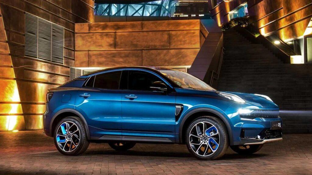 Сотрудники портала Motor.es решили попробовать воссоздать рендерные изображения потенциального автомобиля с высокой проходимостью в стиле купе