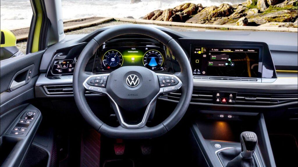 Салон Volkswagen Golf