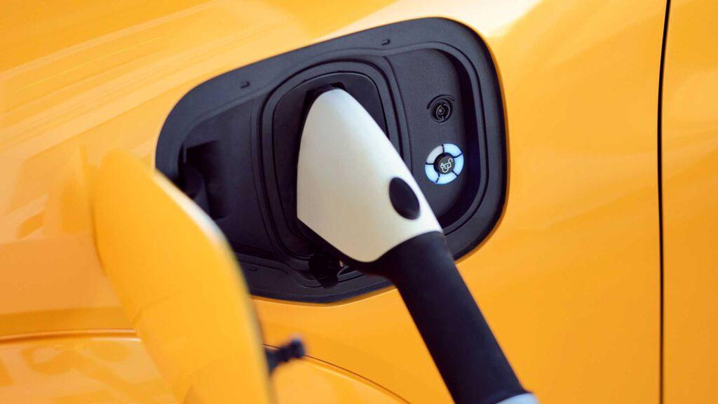 В новой модификации автомобиля без изменений осталась и емкость аккумуляторной батареи