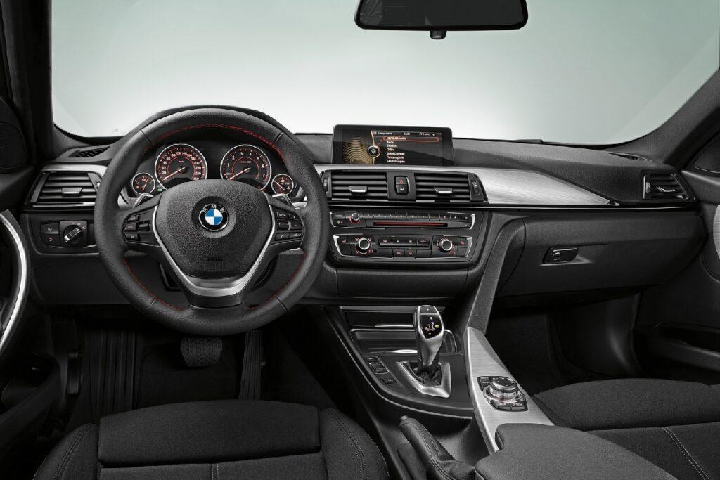 Салон BMW 3 серии