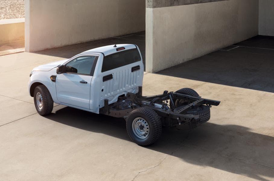 На шасси утилитарного пикапа Ranger можно разместить что угодно. Можно переделать автомобиль под нужды строителей или лесозаготовительных компаний