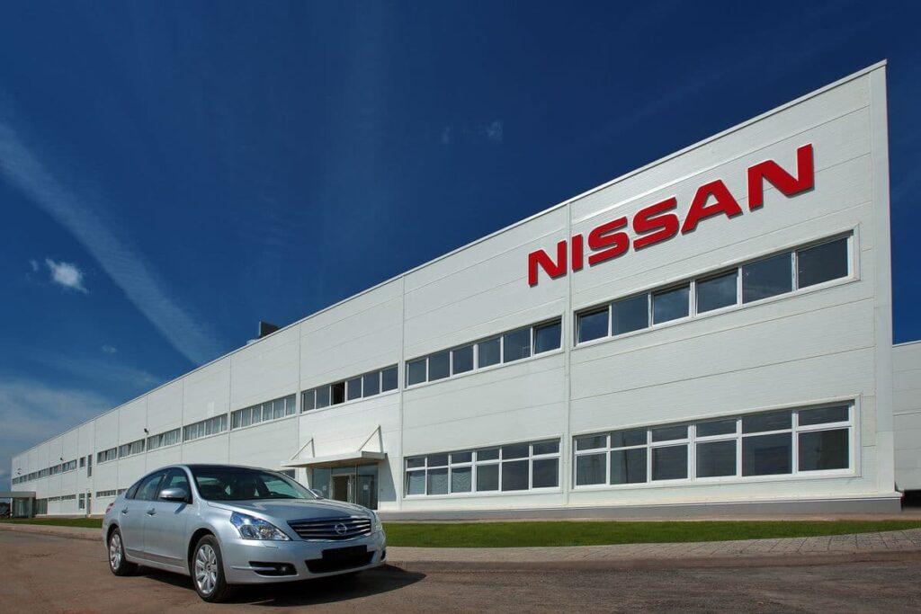 Известно, что стратегия развития бренда Nissan предполагает цель к 2025 году начать поставлять в Китай только электромобили и гибридные машины