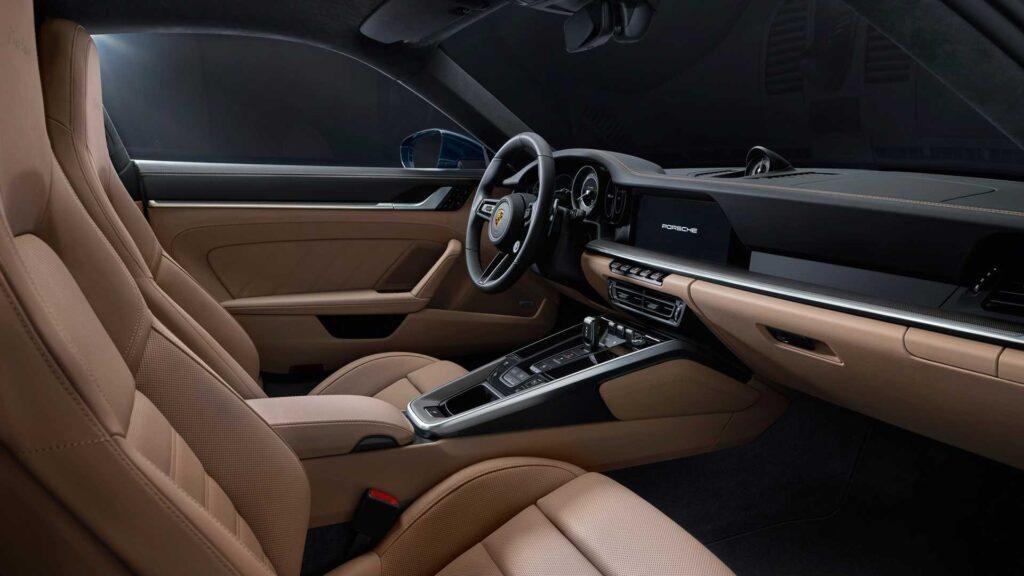 Салон Porsche 911 Turbo