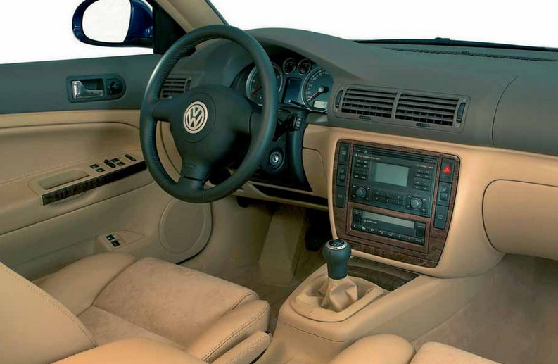Салон Volkswagen Passat B5 с подушкой безопасности в руле