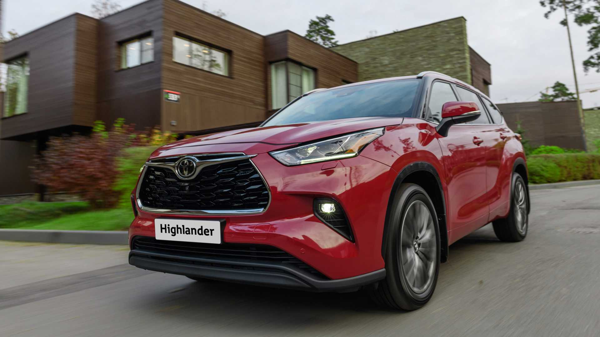 Известна цена на новый Toyota Highlander