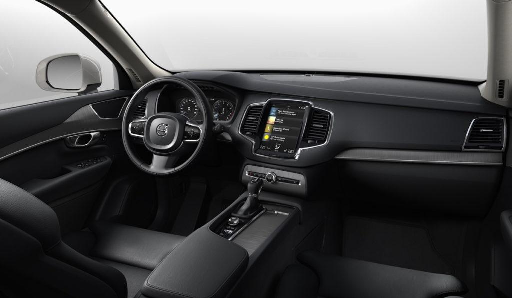 Салон Volvo XC90 Momentum