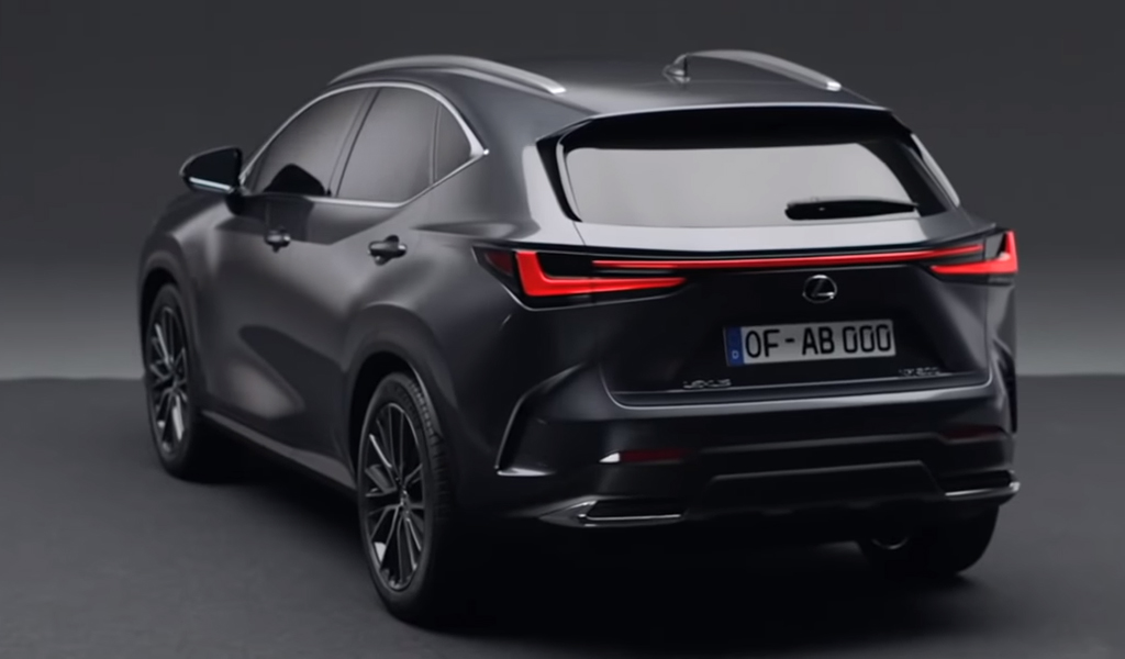 В сети рассекретили внешность нового Lexus NX (Видео)
