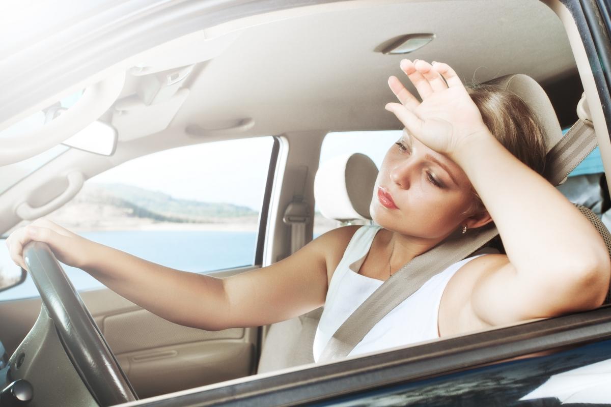 Врачи дали рекомендации как правильно ездить на авто в жару